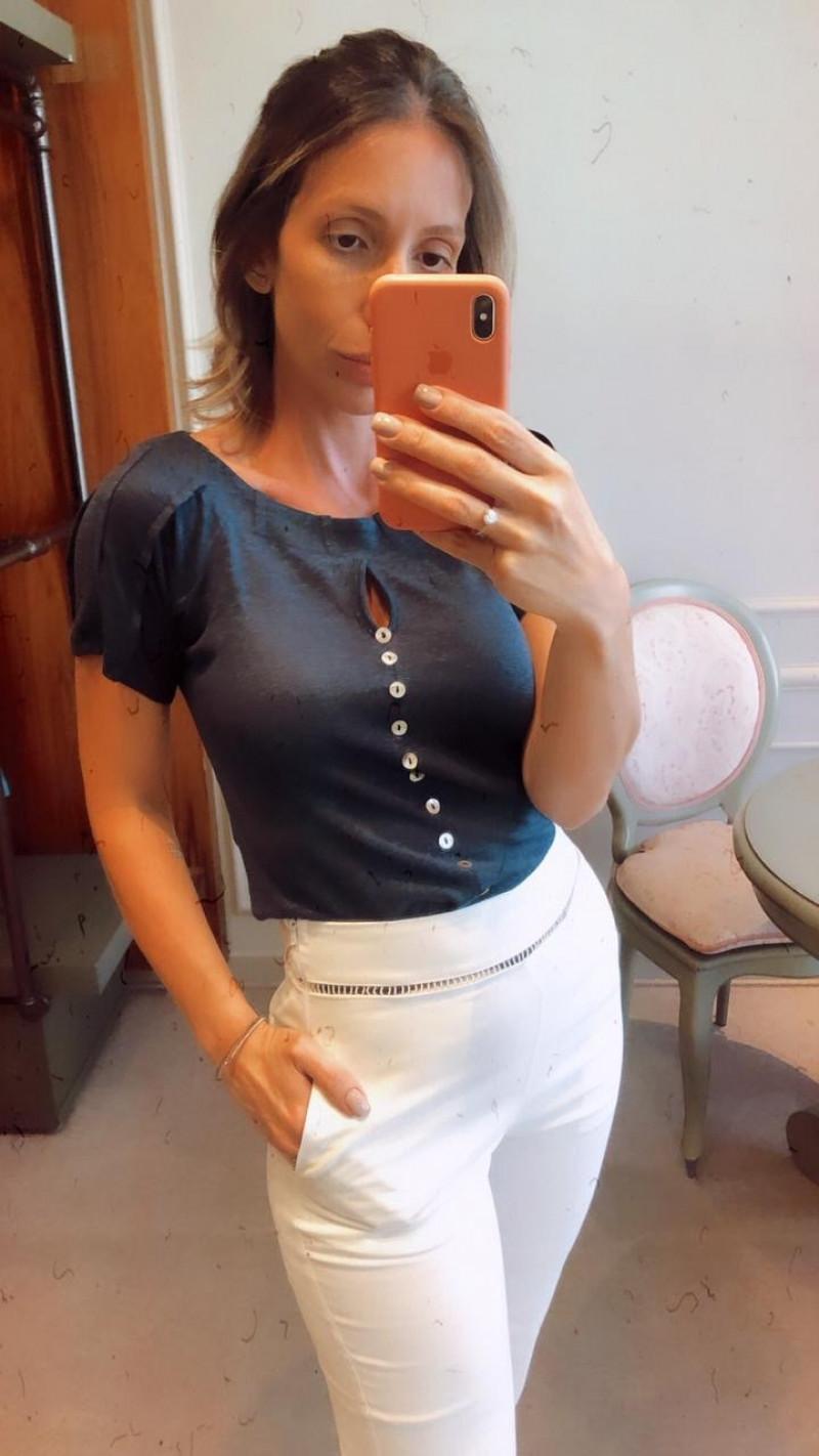Tshirt botões madrepérola